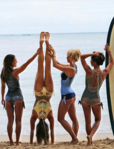 four girls - handstand